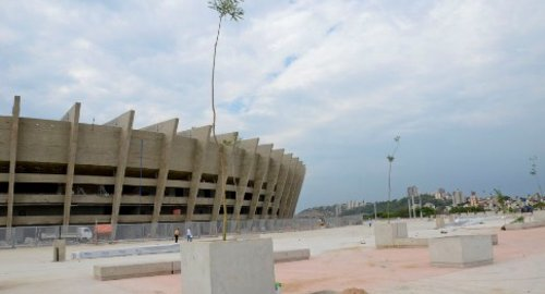 Mineirao-construction view3 Oct 2012-Article